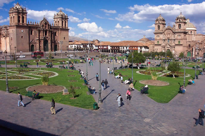 Visit colonial Cuzco on a short Machu Picchu tour.