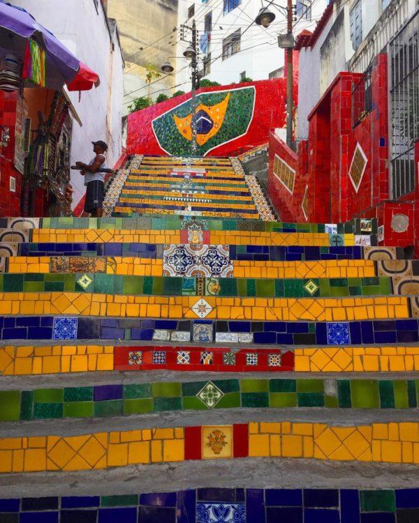 colorful staircase selaron rio de janeiro